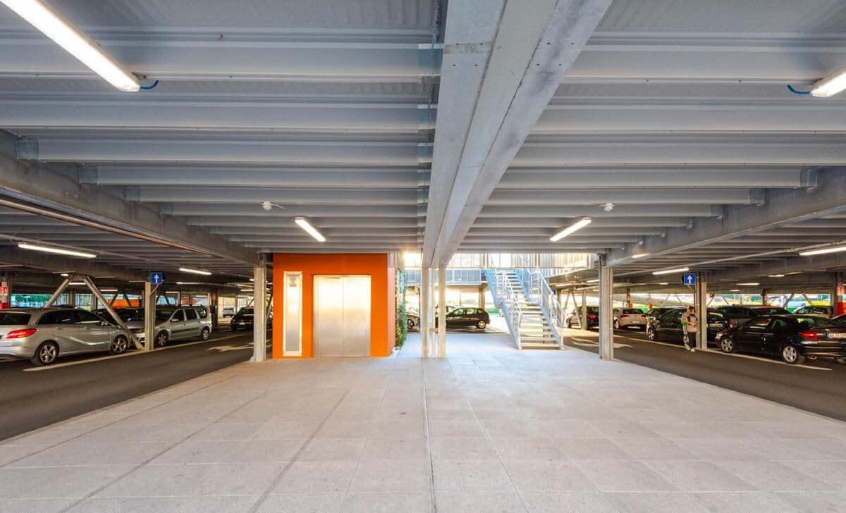 Parking Immobilier commercial de 390 places